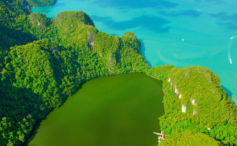 جزيرة المرأة الحامل في جزيرة لنكاوي ماليزيا