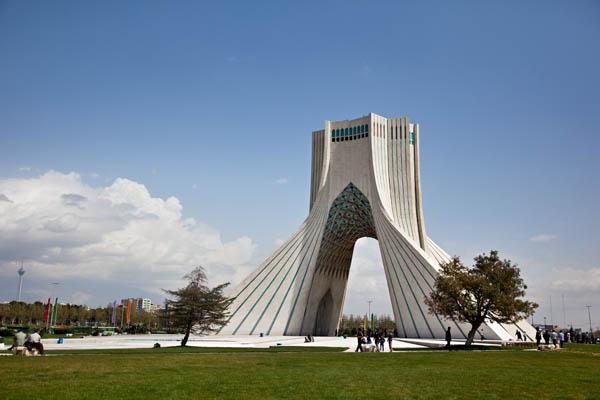 برج آزادي بطهران