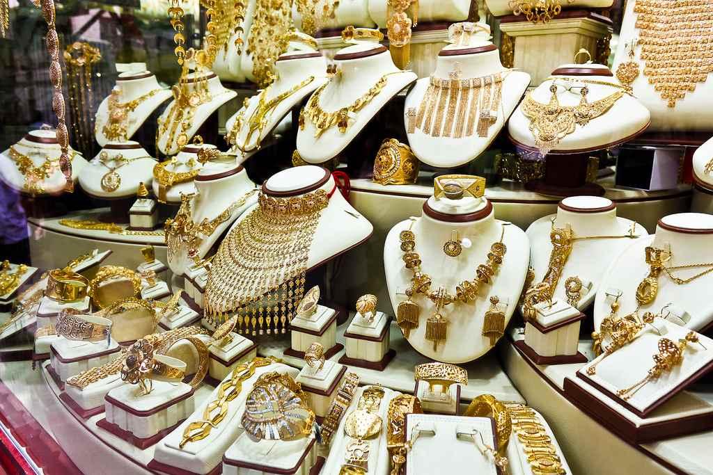 سوق الذهب في دبي من اشهر الاماكن السياحية والتسويقية في دبي الامارات