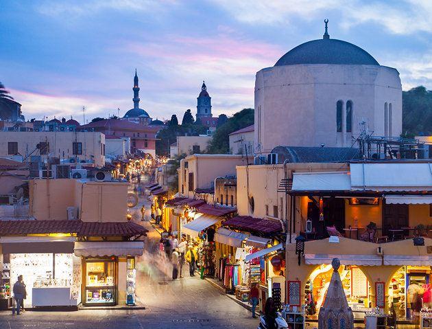 المدينة القديمة في رودس اليونان