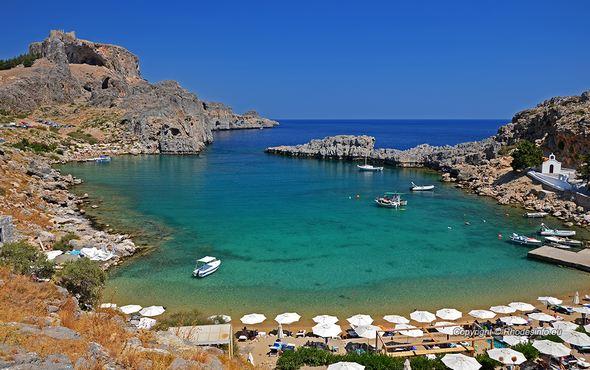 خليج القديس بولس في جزيرة رودس اليونانية