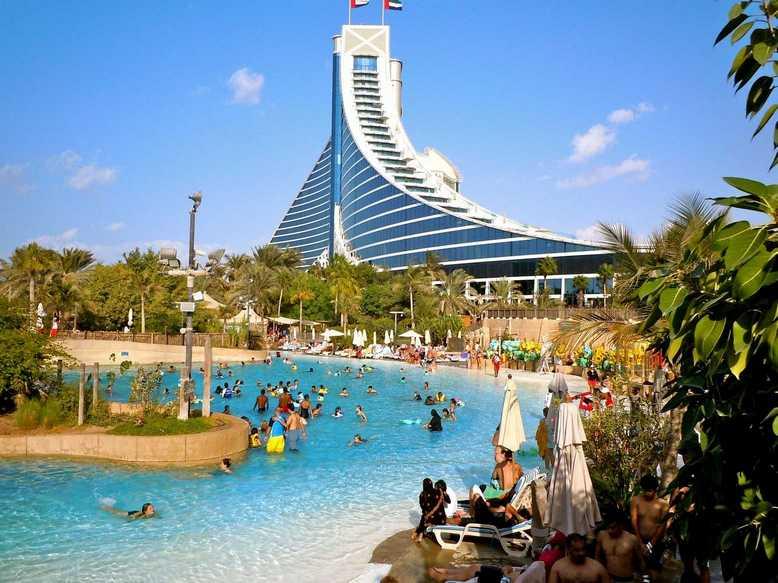 مدينة الألعاب المائية وايلد وادي تعتبر من اكبر ملاهي في دبي