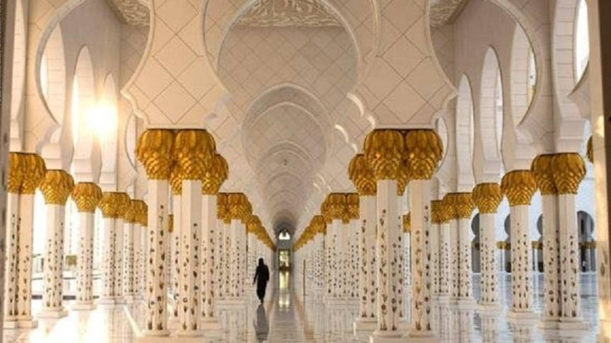 مسجد برج خليفة اعلى مسجد في العالم