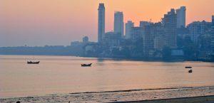 شاطئ شوباتي من افضل اماكن السياحة في مومباي