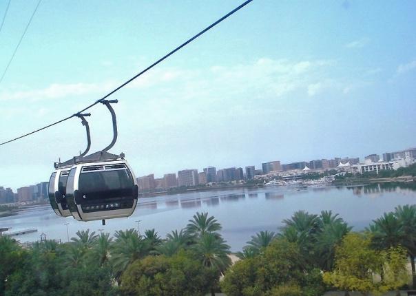 التلفريك في خور دبي المطل على اجمل الاماكن السياحية في دبي الامارات