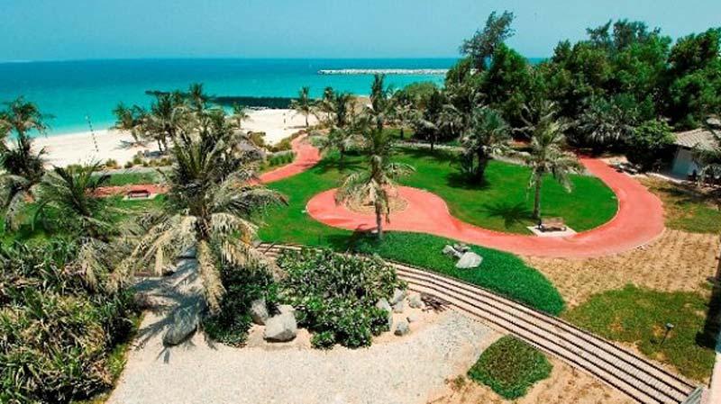 شاطئ نادي دبي للسيدات من افخر الشواطئ في دبي المخصصة للنساء فقط