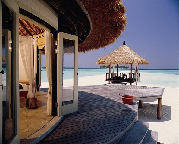 افضل منتجع في المالديف يضم فلل خاصة للضيوف