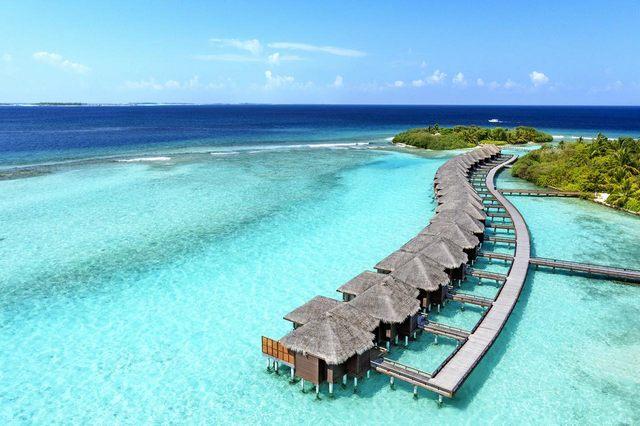 منتجع شيراتون المالديف من اجمل منتجعات المالديف