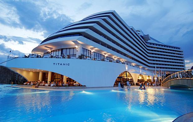 فندق تايتنك انطاليا