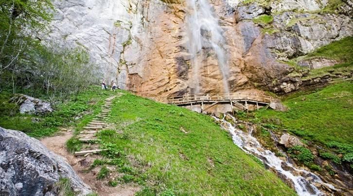 سكاكافاتس من أكبر وأجمل الشلالات في سراييفو البوسنة والهرسك