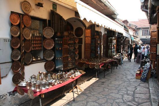 سوق بشارشيا من اهم اسواق سراييفو