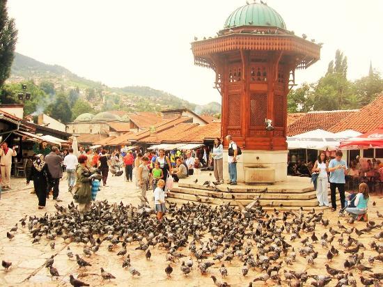 سبيل الماء في سراييفو من افضل الاماكن السياحية في سراييفو البوسنة والهرسك
