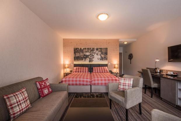 غرف رائعة في فندق إنترلاكن سويسرا