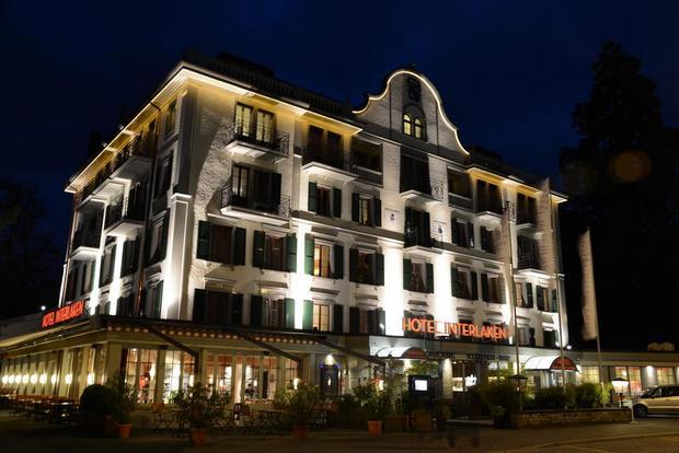 إطلالات رائعة يوفرها فندق انترلاكن في سويسرا