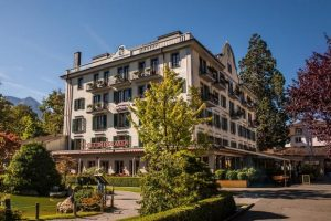 فندق انترلاكن في سويسرا