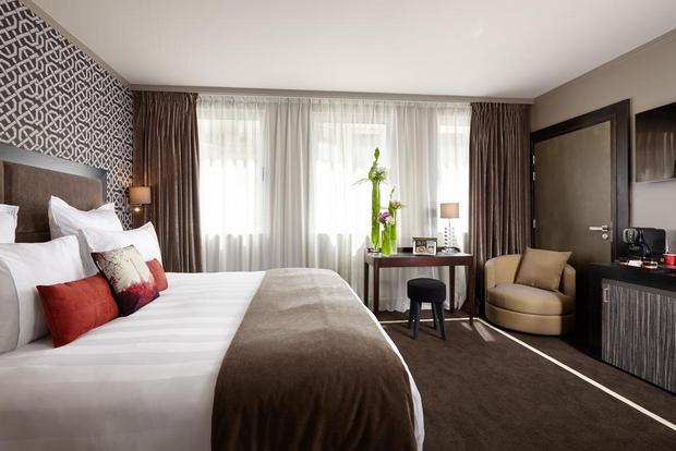 في غُرف فندق جوليانا باريس يحظى الزوّار بإقامة مريحة