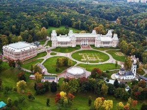 تعرف في المقال على افضل الانشطة السياحية في حديقة كولومينسكوي موسكو ، بالإضافة الى افضل فنادق موسكو القريبة منها
