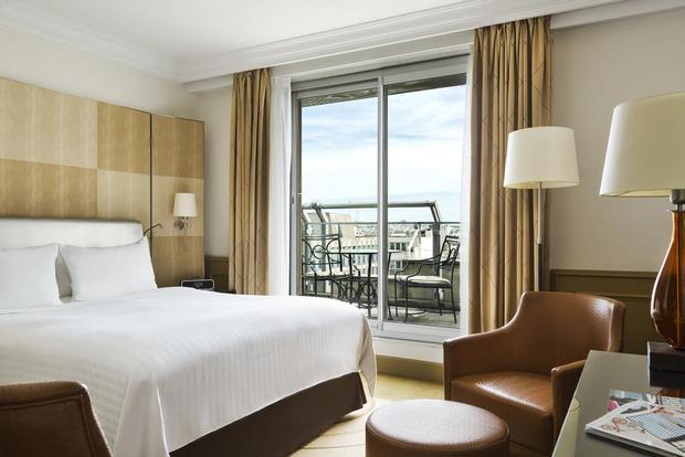 الماريوت الشانزليزيه وكل ما يُميّزه عن باقي الفنادق بباريس