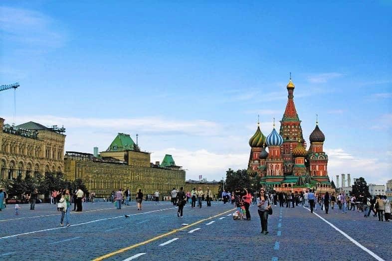 الميدان الاحمر من اشهر اماكن السياحة في موسكو