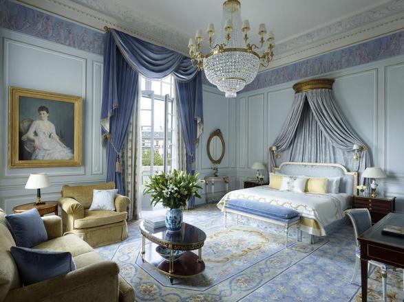 ديكورات راقية متوفرة في فندق شانغريلا في باريس