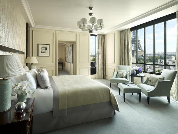 روعة الإقامة في غُرفة تطل على برج ايفل من غرف شانغريلا باريس