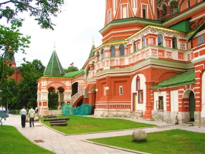 كاتدرائية القديس باسيل في موسكو