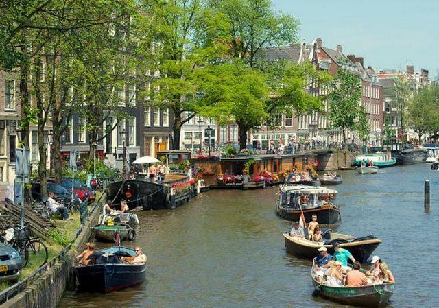 السياحة في هولندا امستردام