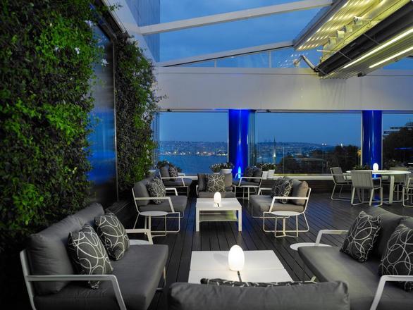 فندق ريتز كارلتون في اسطنبول