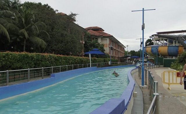 منتزه وايد وايد ويت المائي من افضل الاماكن السياحية في سنغافورة