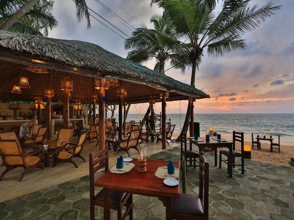 شاطئ بنتوته من افضل اماكن السياحة في بنتوته سريلانكا