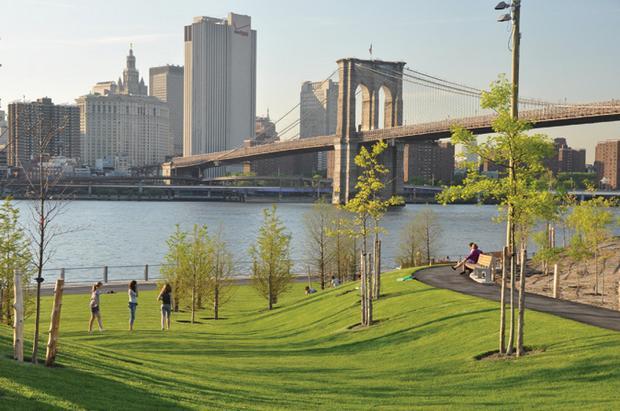 حديقة جسر بروكلين من افضل اماكن السياحة في نيويورك