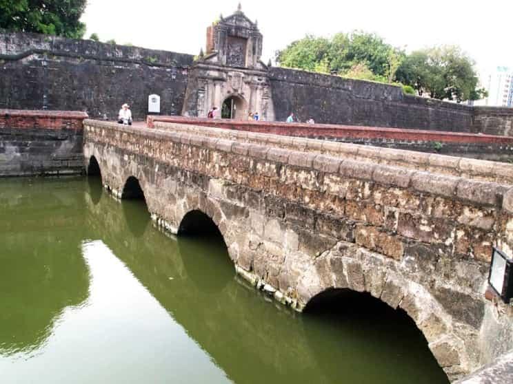 قلعة سانتياغو مانيلا