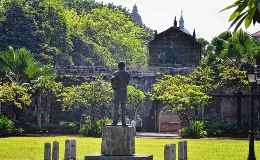 قلعة سانتياغو في الفلبين مانيلا