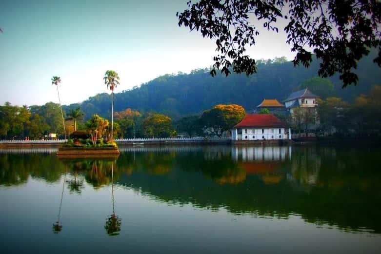 بحيرة كاندي سريلانكا