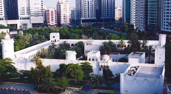قصر الحصن من اقدم اماكن سياحية في ابوظبي الامارات