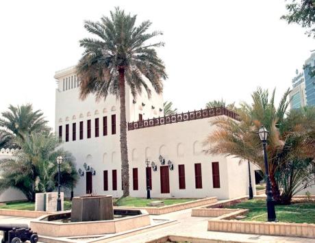 قصر الحصن من اشهر معالم ابوظبي الامارات