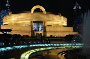 متحف شنغهاي من افضل الاماكن السياحية في شنغهاي الصين