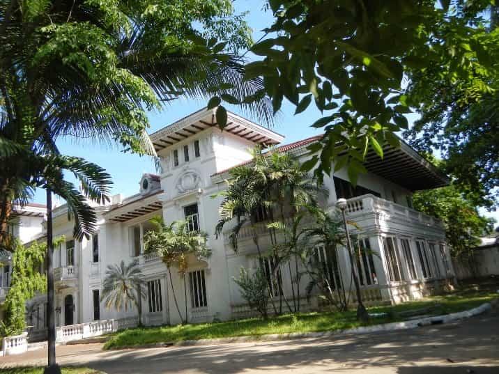 قصر مالاكانانج في الفلبين مانيلا
