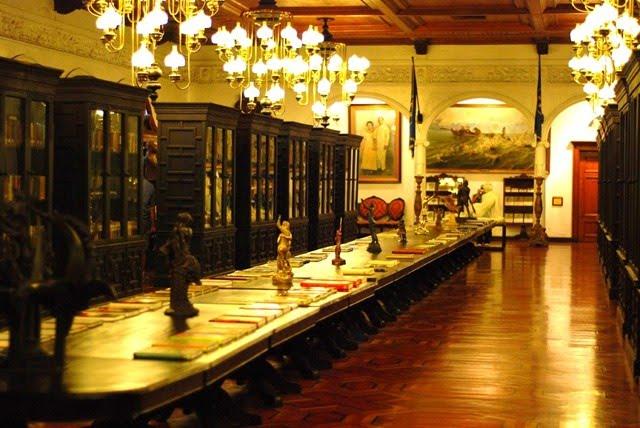 قصر مالاكانانج من افضل الاماكن السياحية في مانيلا الفلبين