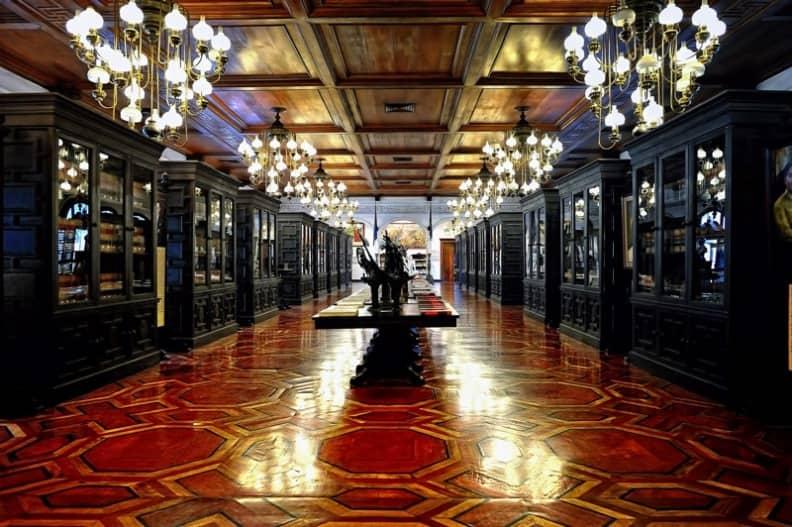 قصر مالاكانانج في مدينة مانيلا