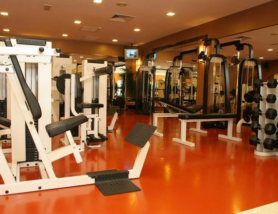 يتوفّر داخل فندق وسبا صن واي ريزورت في كوالالمبور مركز للياقة البدنية.