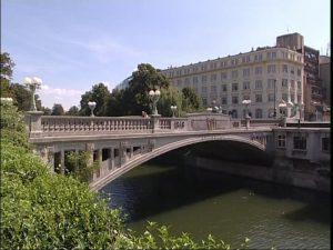 تعرف في المقال على افضل الانشطة السياحية في جسر التنين ليوبليانا ، بالإضافة الى افضل فنادق ليوبليانا القريبة منه