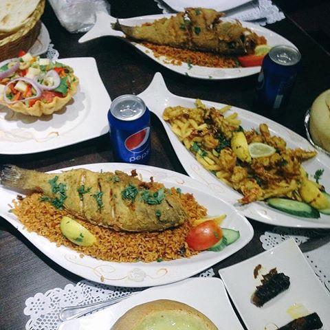 مطعم الامبراطور للأسماك البحرية والمأكولات المصرية ، من افضل مطاعم الشارقة الامارات