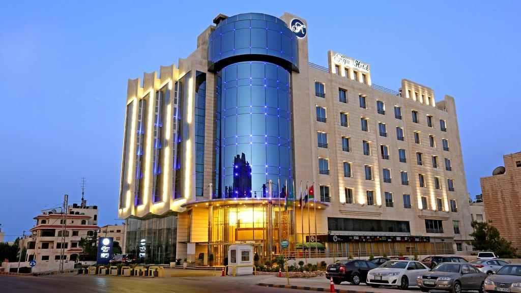 يقع فندق اياس على بعد 3.5 كم من مكة مول وسيتي مول، ويعد من افضل فنادق عمان الاردن
