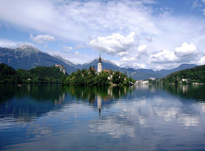 جزيرة بليد من اجمل الاماكن السياحية في سلوفينيا