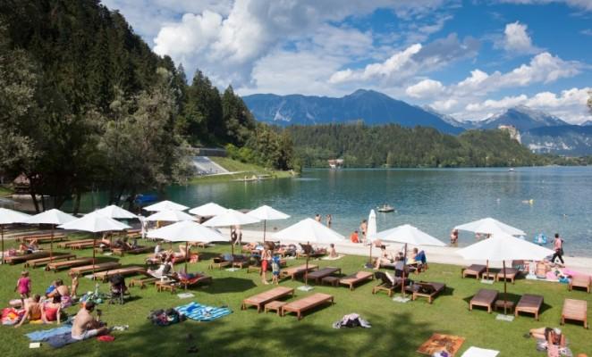 بحيرة بليد من افضل اماكن السياحة في سلوفينيا