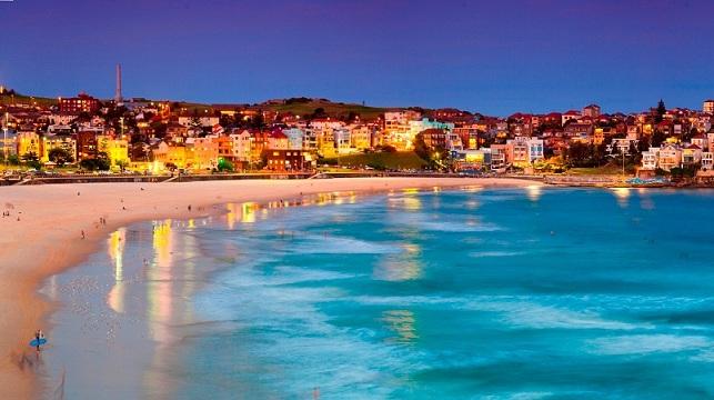 شاطئ بوندي من افضل اماكن سياحية في سيدني استراليا