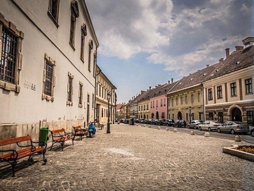 أوري أوتكا أو شارع السادة في تل قلعة بودا في بودابست