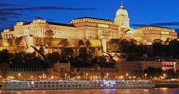 قلعة بودا من اشهر الاماكن السياحية في بودابست المجر