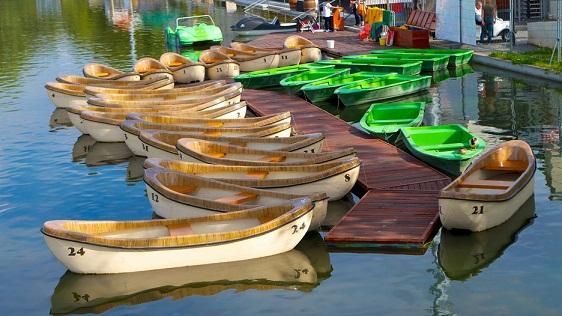 سيتي بارك من اجمل الاماكن السياحية في بودابست المجر